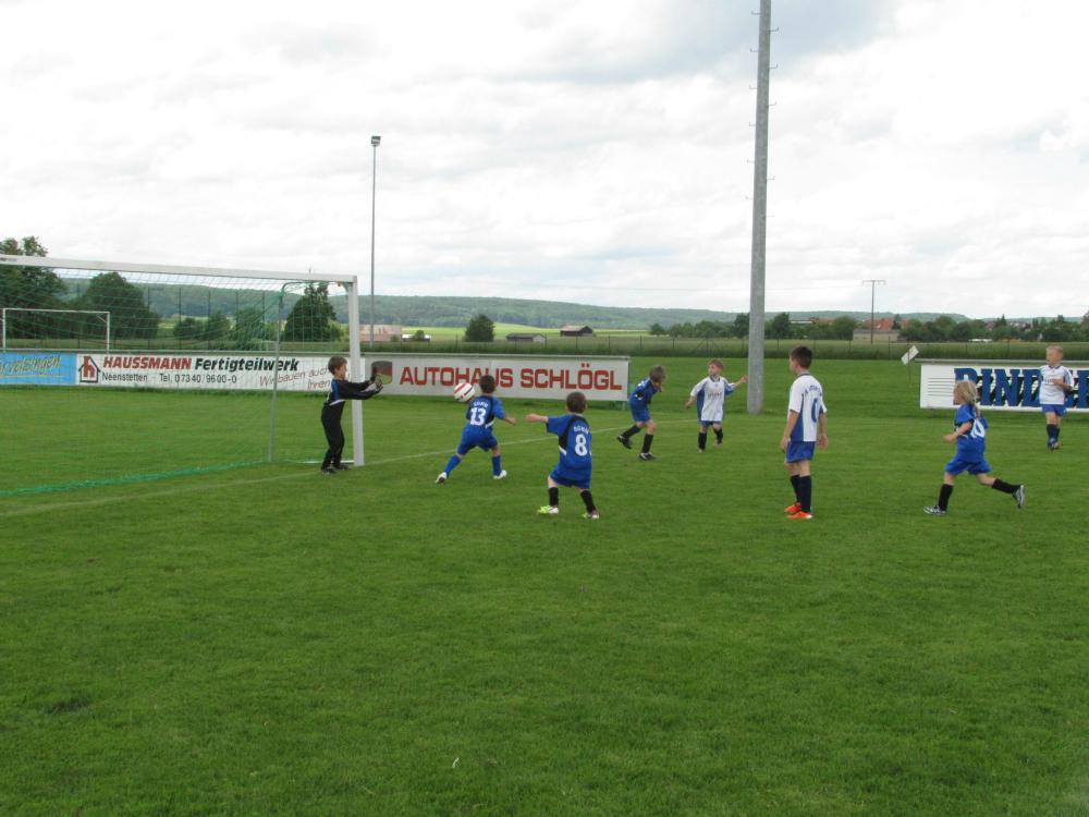 2013_06_15-bambinispieltag-in-neenstetten_10