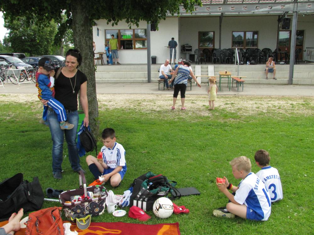 2013_06_15-bambinispieltag-in-neenstetten_37