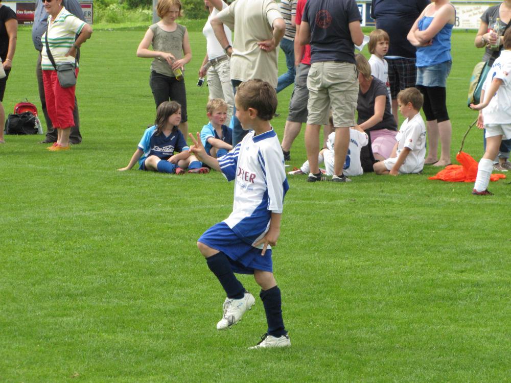 2013_06_15-bambinispieltag-in-neenstetten_44