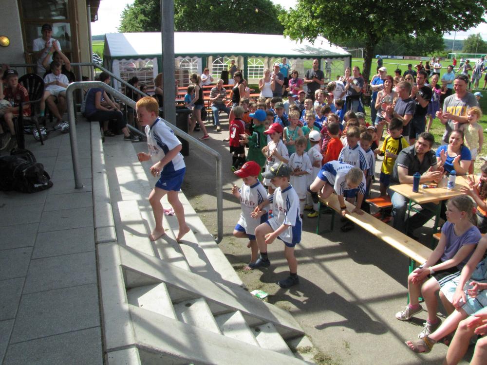 2013_06_15-bambinispieltag-in-neenstetten_57