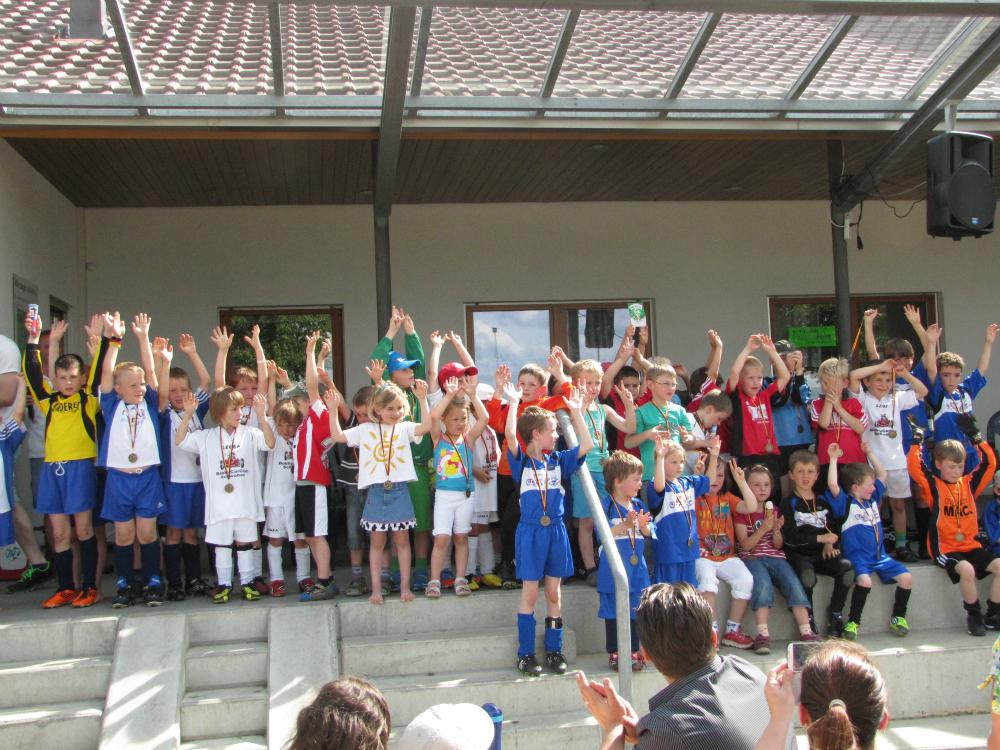 2013_06_15-bambinispieltag-in-neenstetten_67