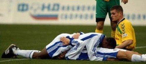 voetballer_vieren_doelpunt